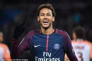 Neymar sorrindo
